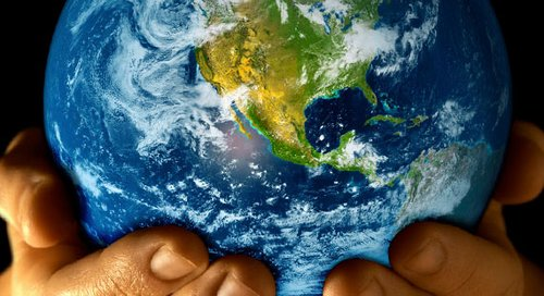 500_earth-day-earth-in-hands